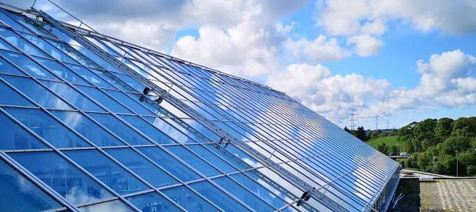 Glass og fasademontasje Service Tak & Fasade